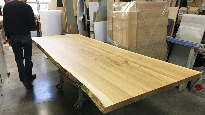 production table bois massif pour l'événement Miel par Fairsquare